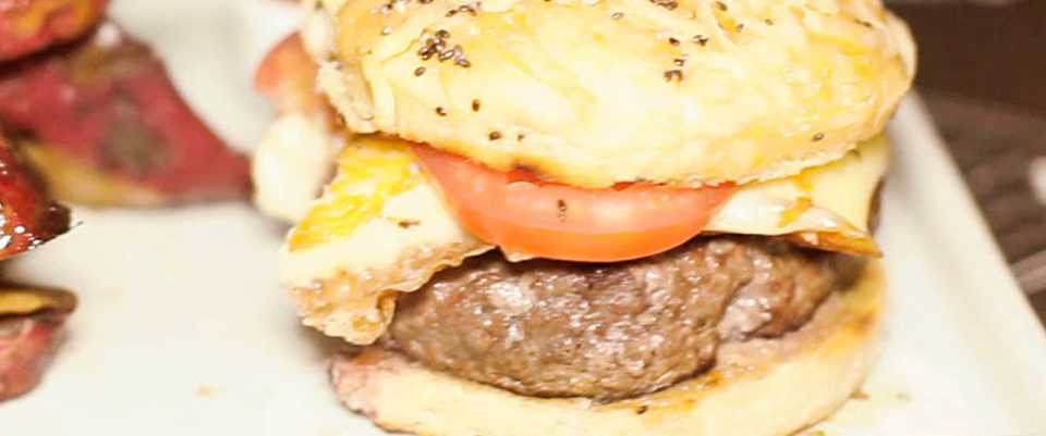 Como não sair da dieta e ainda comer um hambúrguer