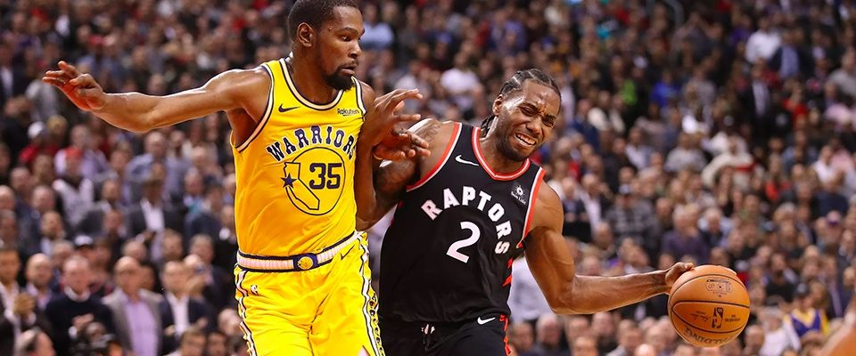 Prévia da final? Raptors batem Warriors em batalha épica