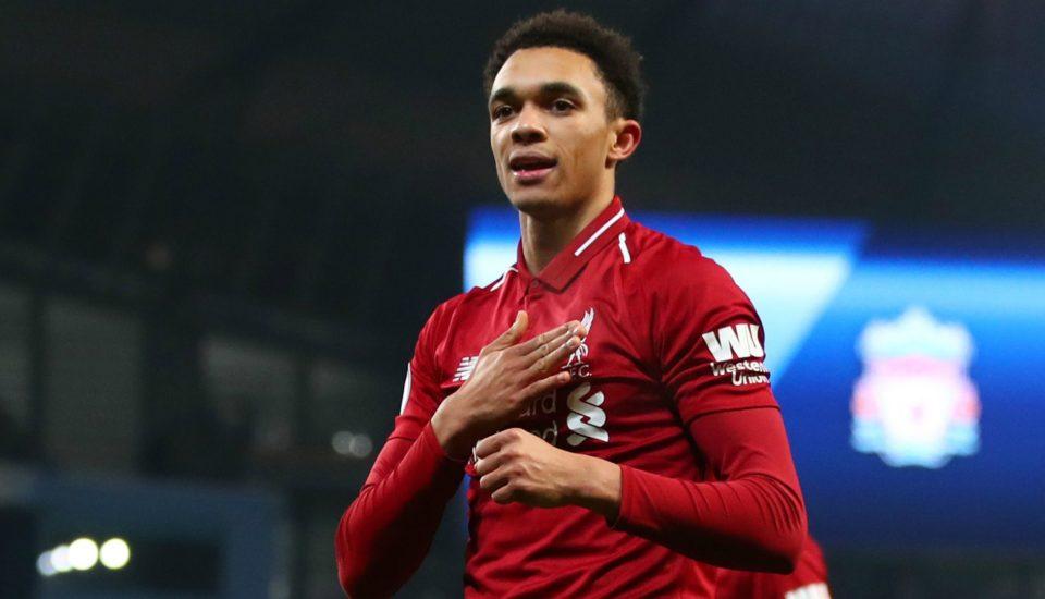 Perfil: Alexander-Arnold, o garoto de Liverpool