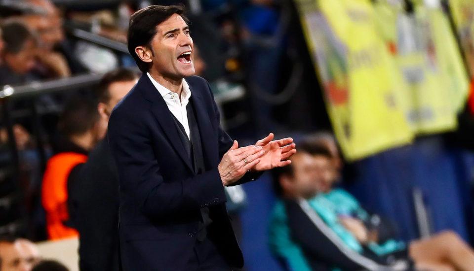 Valencia demite treinador